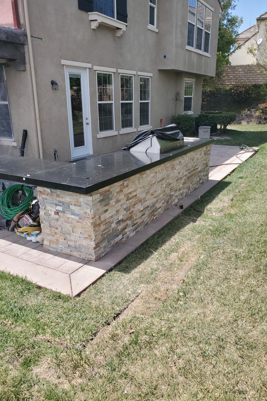 Outdoor kitchen granite installed
