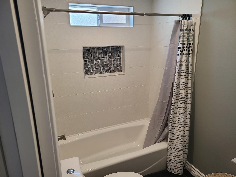 ADU-Bathroom tub
