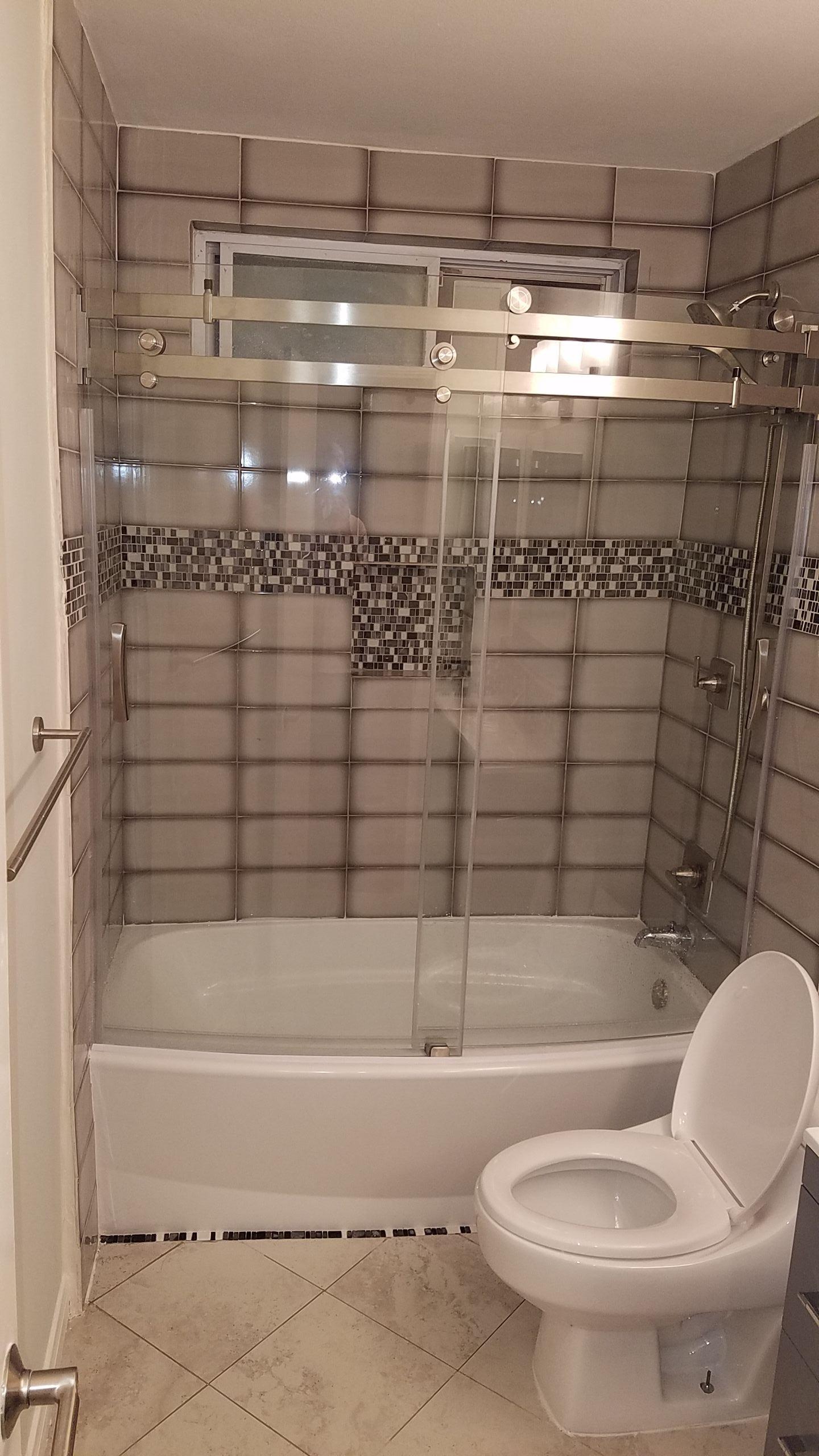 Tub & custom shower door