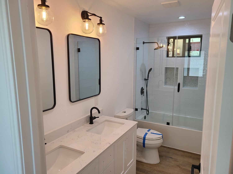 Thousand Oaks-Kids bathroom