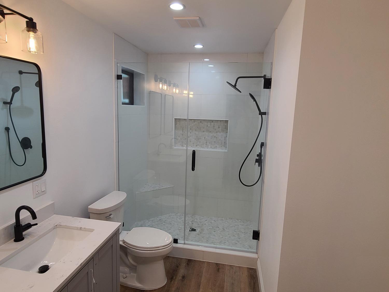 Thousand Oaks-Master bathroom